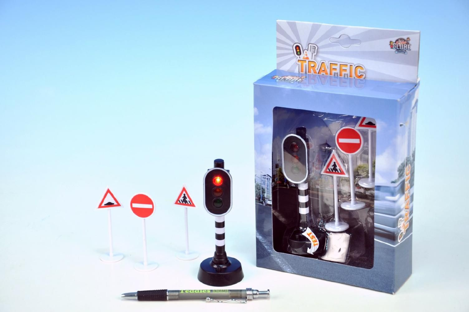 Semafor funkční +3 dopravní značky